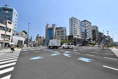東京メトロ日比谷線・三ノ輪駅前の交差点の様子。(2019-05-23,共用部,ENVIRONMENT,1F)