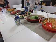 管理人が自ら調理した、イタリアンオムレツ・ローストビーフ・トマトとバジルの前菜・手毬寿司(運営事業者様コメント)。 ※事業者様提供素材(2011-07-12,共用部,PARTY,2F)