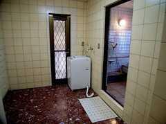 バスルーム前のランドリー(2006-03-11,共用部,LAUNDRY,2F)