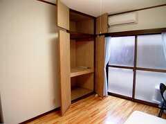 専有部の様子。(206号室)2。収納の様子。(2006-03-11,専有部,ROOM,2F)