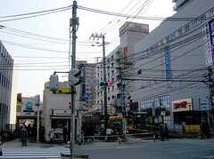 町屋駅の様子。(左は東京メトロ千代田線入口、右は都営浅草線)(2006-03-11,共用部,ENVIRONMENT,1F)