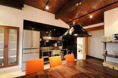 シェアハウスのラウンジの様子3。(2010-03-23,共用部,LIVINGROOM,1F)