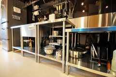 シェアハウスのキッチンの様子2。(2010-03-23,共用部,KITCHEN,1F)