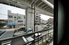専有部の窓から見た外の様子。(208号室)(2010-03-23,専有部,ROOM,2F)