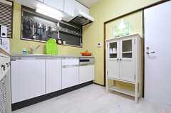 キッチンの様子2。(2012-11-16,共用部,KITCHEN,1F)