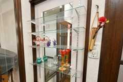 鏡と小物。(2009-03-02,共用部,LIVINGROOM,2F)