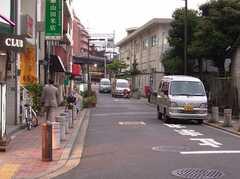 駅からシェアハウスへ向かう道の様子。(2005-06-17,共用部,ENVIRONMENT,)