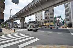 シェアハウス近くの交差点の様子。(2014-07-14,共用部,ENVIRONMENT,1F)