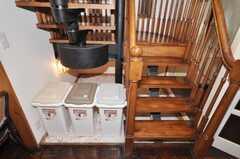 ゴミ箱の様子。(2009-10-05,共用部,OTHER,1F)