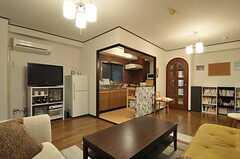 シェアハウスのリビングの様子2。(2011-07-29,共用部,LIVINGROOM,4F)
