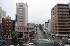 窓からの景色。春日通りを見渡せます。(501号室)(2011-07-29,専有部,ROOM,5F)