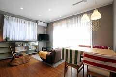 シェアハウスのリビングの様子。(2011-02-25,共用部,LIVINGROOM,2F)
