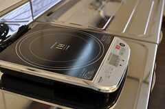 IHコンロは2台設置されています。(2013-03-22,共用部,KITCHEN,2F)