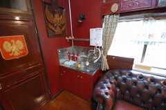 シェアハウスのラウンジ8。洗面所も付いている。(2008-07-15,共用部,LIVINGROOM,1F)