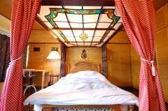 専有部の様子。天蓋付きベッドの様子。(202号室)(2008-07-15,専有部,ROOM,2F)