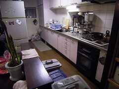 ラウンジ脇にあるキッチン(2005-06-06,共用部,KITCHEN,)