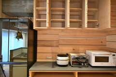 吊り戸棚は専有部ごとに使える収納スペースです。(2019-12-12,共用部,KITCHEN,2F)