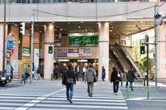 シェアハウスから東京メトロ丸ノ内線・茗荷谷駅の様子。(2019-12-12,共用部,ENVIRONMENT,1F)