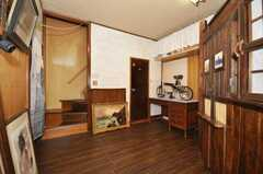 玄関から見た内部の様子。(2009-11-12,共用部,LIVINGROOM,1F)