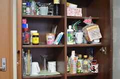各部屋ごとに収納できる食材棚。(2014-11-26,共用部,KITCHEN,2F)