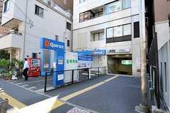 シェアハウスから東京メトロ南北線・本駒込駅に向かう道の様子。(2012-08-27,専有部,ROOM,1F)