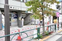 東京メトロ千代田線・根津駅周辺の様子。(2011-10-21,共用部,ENVIRONMENT,1F)