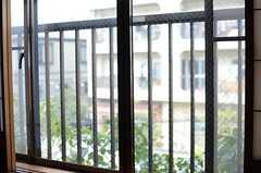 障子戸を開けた窓の様子。(202号室)(2013-03-28,専有部,ROOM,2F)