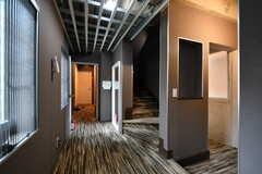 廊下の様子。専有部は女性専用フロアです。(2018-03-19,共用部,OTHER,2F)