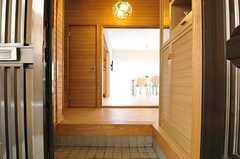 正面玄関から見た内部の様子。(2013-03-29,周辺環境,ENTRANCE,1F)
