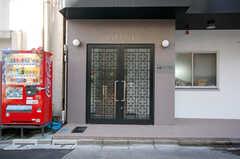 シェアハウスの正面玄関。鍵はシャーロックのカードキー。(2008-11-25,周辺環境,ENTRANCE,1F)