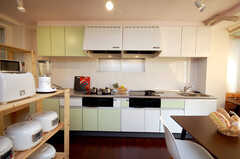 シェアハウスのキッチンの様子。(2008-11-25,共用部,LIVINGROOM,4F)