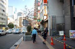 各線飯田橋駅からシェアハウスへ向かう道の様子。(2008-11-25,共用部,ENVIRONMENT,1F)
