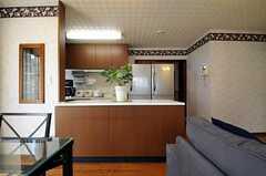 リビング側から見たカウンターテーブルの様子。(2011-05-18,共用部,LIVINGROOM,1F)