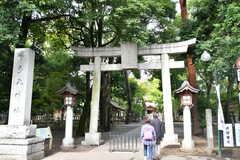 近くには神社があります。(2017-10-17,共用部,ENVIRONMENT,1F)