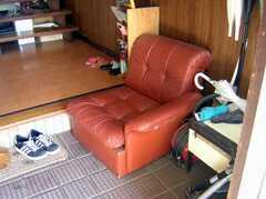 玄関に置かれたソファ。(2008-02-07,周辺環境,ENTRANCE,1F)