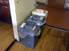 キッチンのゴミ箱(2008-02-07,共用部,OTHER,1F)