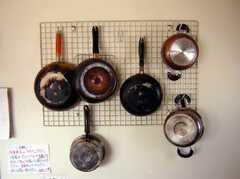 キッチンのフライパン達(2008-02-07,共用部,OTHER,2F)