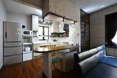 カウンターの奥がキッチンです。(2020-02-13,共用部,LIVINGROOM,2F)