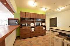 家電類と食器棚の様子。(2015-06-11,共用部,KITCHEN,1F)