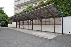 駐輪スペースの様子。(2015-06-11,共用部,GARAGE,1F)