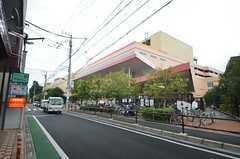 近くにはホームセンターがあります。(2014-11-11,共用部,ENVIRONMENT,1F)