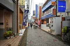 駅からはずっと商店街を歩きます。(2014-11-11,共用部,ENVIRONMENT,1F)