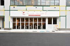 建物の1階にはイタリアンレストランが入っています。(2017-12-08,共用部,ENVIRONMENT,1F)