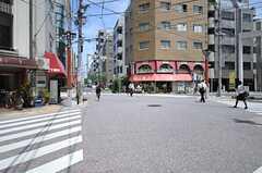 都営浅草線・東日本橋駅からシェアハウスへ向かう道の様子。(2013-08-06,共用部,ENVIRONMENT,1F)