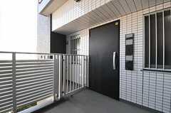 シェアハウスの正面玄関。(2012-02-24,周辺環境,ENTRANCE,4F)