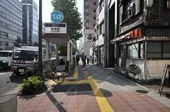 東京メトロ日比谷線・築地駅からシェアハウスへ向かう道の様子。(2013-10-31,共用部,OTHER,1F)
