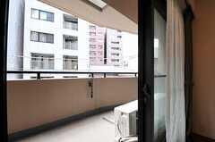 ベランダの様子。(304号室)(2011-08-05,専有部,ROOM,3F)