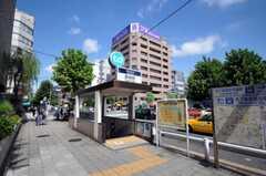 東京メトロ日比谷線築地駅の様子。(2010-08-10,共用部,ENVIRONMENT,1F)