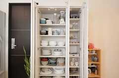 リビングの食器棚は、白へ変更されました。(2012-04-09,共用部,OTHER,1F)