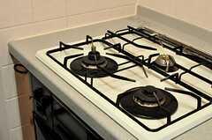 ガスコンロは3口です。(2012-08-07,共用部,KITCHEN,5F)